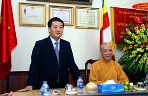 Phó Chủ tịch - Tổng Thư ký Hầu A Lềnh chúc mừng Đại lễ Phật đản 2018