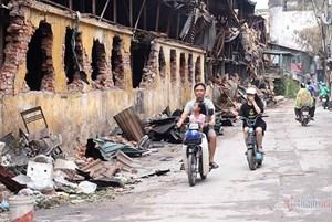 Lo lắng sau vụ cháy tại Nhà máy Rạng Đông: Hơn 300 học sinh nghỉ học