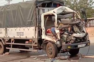 Hai xe tải va chạm kinh hoàng, 1 tài xế tử vong tại chỗ
