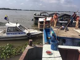 Bắt giữ 20 phương tiện khai thác cát trái phép trên sông Tiền