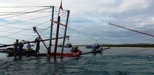 Quảng Nam: Tàu câu mực gặp nạn trên vùng biển Trường Sa