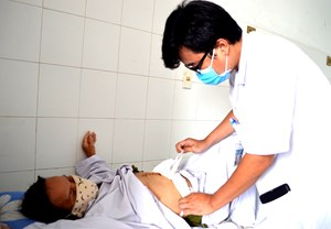 Phẫu thuật bệnh nhân bị ung thư túi mật xâm lấn cùng lúc 6 cơ quan