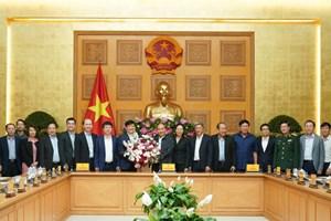 [ẢNH] Thủ tướng chúc mừng Ngày Thầy thuốc Việt Nam