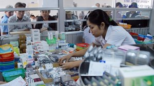 Tiết kiệm gần 500 tỷ đồng trong lần đầu tiên đấu thầu thuốc tập trung