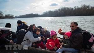 130.000 người di cư đang ở Balkan, châu Âu tăng cường bảo vệ biên giới