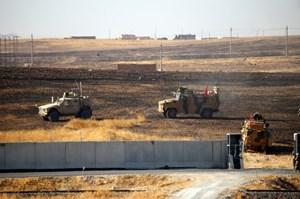 Thổ Nhĩ Kỳ, Mỹ tuần tra trong vùng an toàn tại Syria