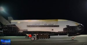 Tàu con thoi X-37B trở về trái đất sau 780 ngày