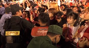 [VIDEO] Sự cuồng nhiệt của cổ động viên dành cho tuyển U23