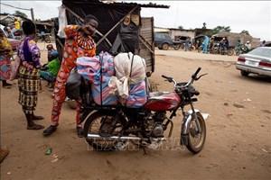 Nigeria cấm xuất, nhập khẩu hàng hóa qua biên giới trên đất liền