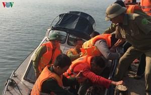 Thừa Thiên - Huế: Cứu 11 thuyền viên gặp nạn trên biển