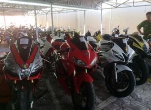 10 xe môtô khủng nghi nhập lậu vào Cần Thơ