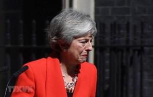 Thủ tướng Anh Theresa May đệ đơn từ chức lên Nữ hoàng Elizabeth