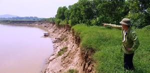 Nỗi lo sông 'nuốt' đê
