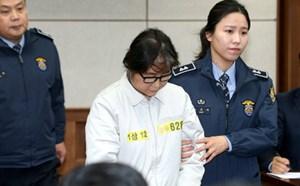 Bạn thân Tổng thống Hàn Quốc từ chối điều trần