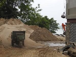 Bát nháo tình trạng khai thác cát