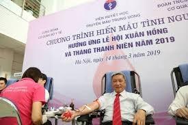 Cán bộ, đoàn viên Bộ Y tế hiến máu cứu người