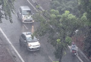 Cảnh báo lốc, sét, mưa đá