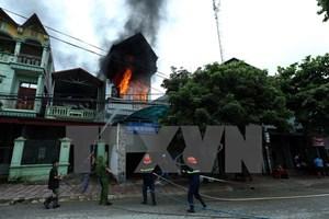 Cháy trong khu dân cư, một phòng luật sư bị thiêu rụi