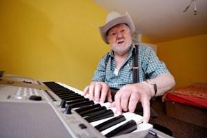 Chơi piano thành thạo sau khi bị đột quỵ