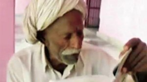 Cụ ông Ấn Độ không lấy vợ vì chưa đỗ vào lớp 10