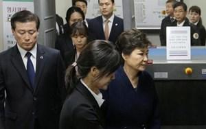 Cựu Tổng thống Park bị thẩm vấn
