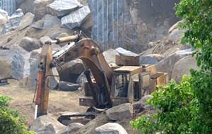 Dân lao đao vì mỏ đá