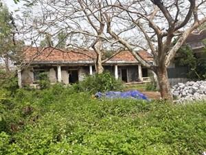Đất bỏ hoang, trường thiếu phòng học