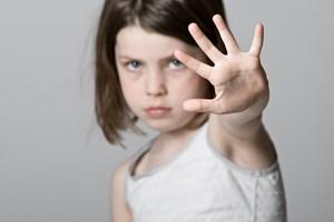 Dạy trẻ những gì để tránh bị xâm hại tình dục?