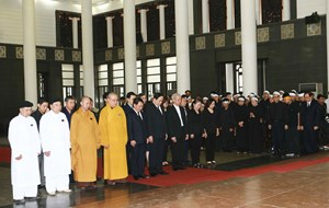 Đoàn UBTƯ MTTQ Việt Nam viếng Trung tướng Đồng Sỹ Nguyên