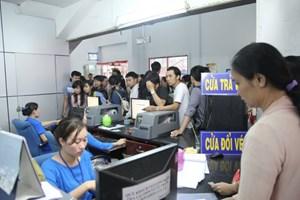 Hàng trăm người trả lại vé tàu tại ga Sài Gòn
