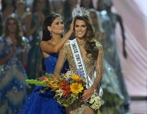 Hoa hậu Pháp Iris Mittenaere giành vương miện Hoa hậu Hoàn vũ