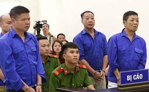 Hoãn xử vụ 'bảo kê' chợ Long Biên