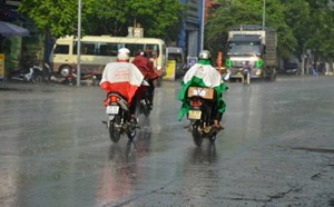 Hôm nay, Hà Nội mưa giông, kết thúc chuỗi ngày nắng nóng