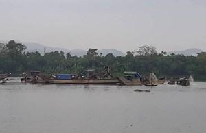 Hơn 2 tỷ đồng xử phạt 3 doanh nghiệp khai thác cát trên sông Hương