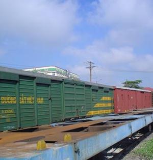 Khai trương tàu chở hàng nhanh Bắc - Nam