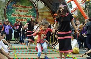 Kharkov vui cùng 'Ngày châu Á' lần thứ nhất