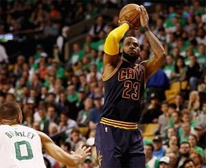 LeBron James và gánh nặng trước mùa giải NBA 2017-2018