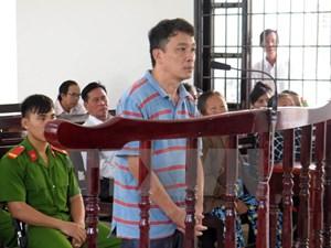 Lừa chiếm đoạt tài sản, nguyên Phó Chánh văn phòng huyện ủy đi tù