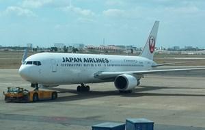 Máy bay Nhật hạ cánh khẩn cấp xuống Malaysia do trục trặc động cơ