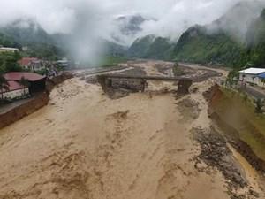 Mưa lớn kéo dài, nguy cơ cao xảy ra lũ quét, sạt lở đất ở vùng núi Bắc Bộ