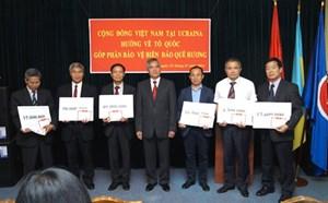 Người Việt Nam tại Ucraina quyên góp ủng hộ xây Đài tưởng niệm Gạc Ma