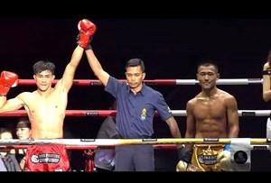 Nguyễn Trần Duy Nhất đánh bại đối thủ Trung Quốc ở giải châu Á