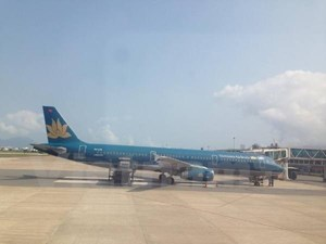 Nhân viên hàng không trả lại hơn 100 triệu đồng khách bỏ quên