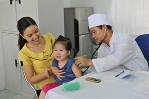 Hà Nội: Tỉ lệ tiêm chủng vắc xin cho trẻ dưới 1 tuổi đạt gần 60%