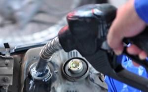 Pha trộn xăng dầu để trục lợi bị phạt tới 100 triệu đồng