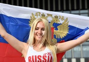 Sắc màu trái ngược của người Nga