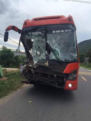 Tai nạn liên hoàn, khiến nhiều hành khách hoảng sợ