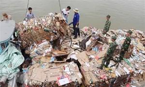 Tạm giữ 14 tấn phế liệu nhập lậu từ Campuchia về Việt Nam