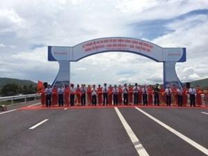 Thông xe Quốc lộ 1 mở rộng đoạn qua Phú Yên