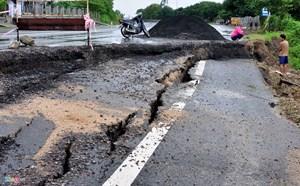 Khắc phục quốc lộ 1 bị hư hỏng do bão lũ